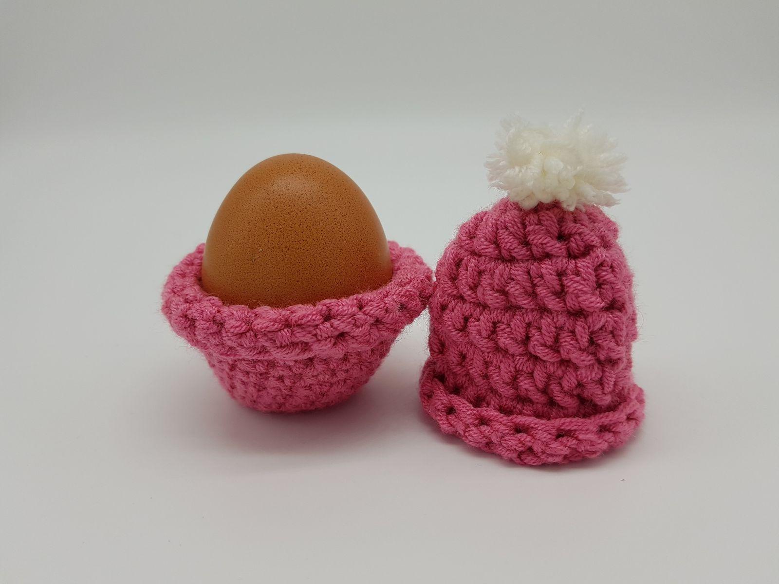 Winterlicher Eierbecher mit Mütze Häkelanleitung
