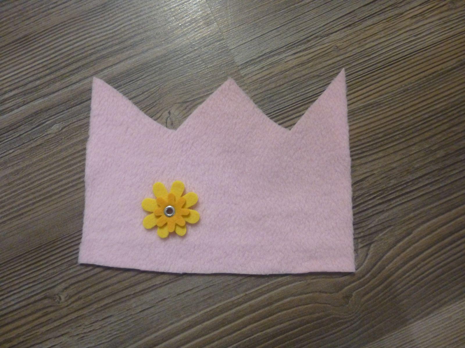 Näh-Anleitung: Kronenmütze für kleine Prinzessinnen
