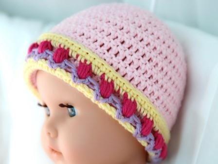 kostenlose Häkelanleitung für eine Baby Mütze mit Tulpenmuster