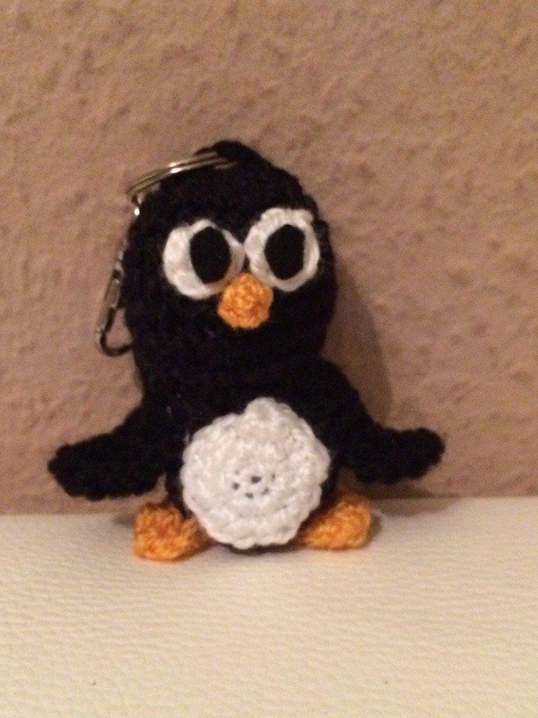 Kostenlose Häkelanleitung Kleiner Pinguin Schlüsselanhänger