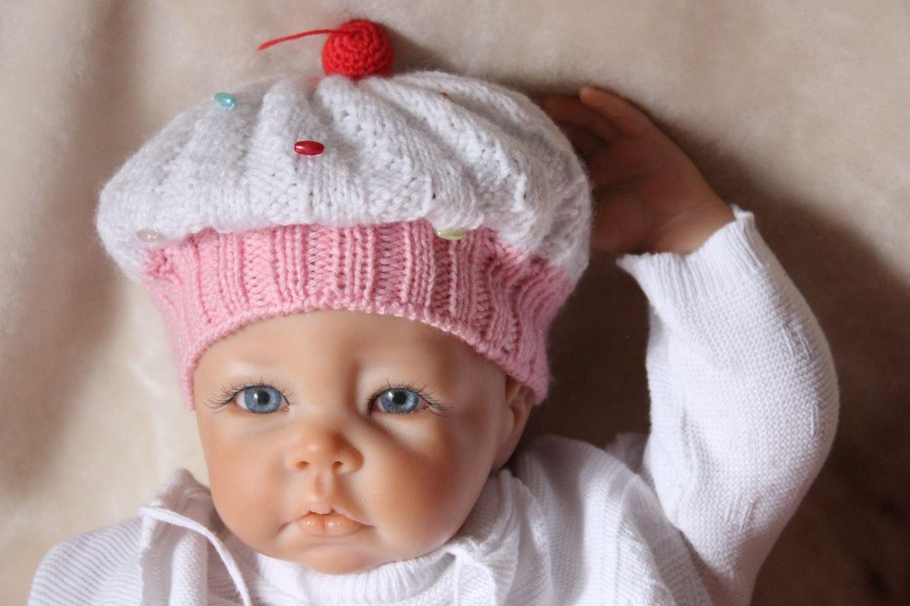 Free Knitting Pattern. Cupcake Baby Hat