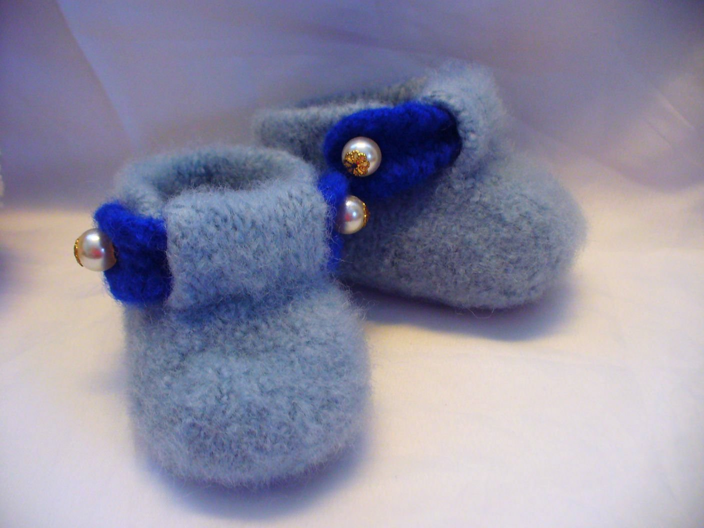 Free Knitting Pattern. Felted Baby Boy Boots