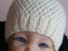 FREE Baby Bonnet Knitting Pattern