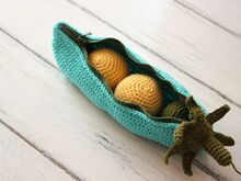 Free Crochet Pattern. Peas in a Pod