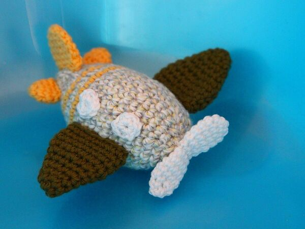 Amigurumi Rocket Toy Free Crochet Patterns   Jungen häkeln ...   450x600