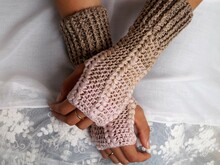 Free Crochet Pattern Hand Sleeves, Wrist-Warmer