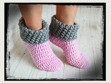 Free Crochet Pattern Warm House Socks