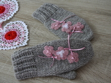 Hand crochet Gloves, crochet pattern - Romantic