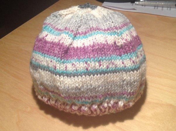 Strickmuster Baby-Mütze aus Wollresten - DIY