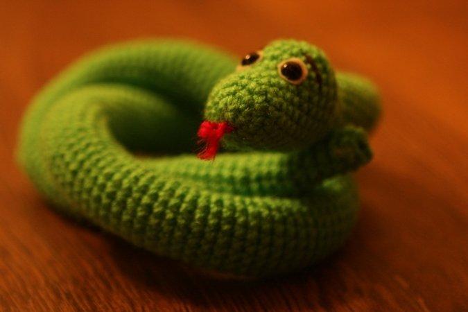 Schlange Häkeln Aufgerollte Schlange
