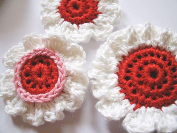 gratis Blüten + Blütenknöpfe häkeln - DIY PDF