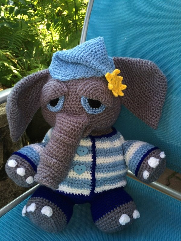 elefanten spieluhr h keln amigurumi elefant. Black Bedroom Furniture Sets. Home Design Ideas