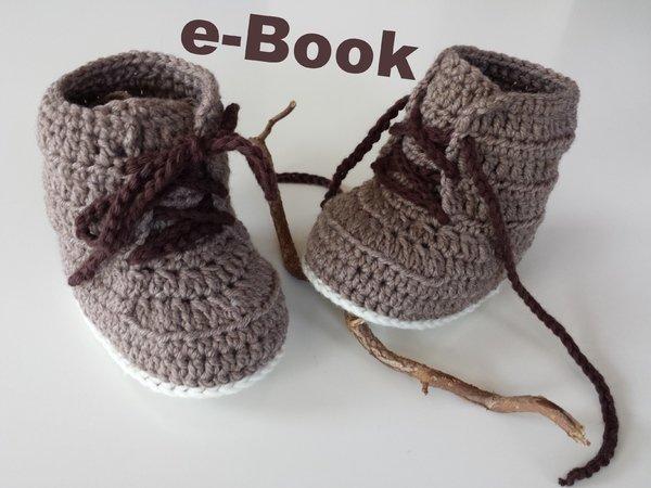 Baby-Stiefel zum Schnüren jetzt selber häkeln