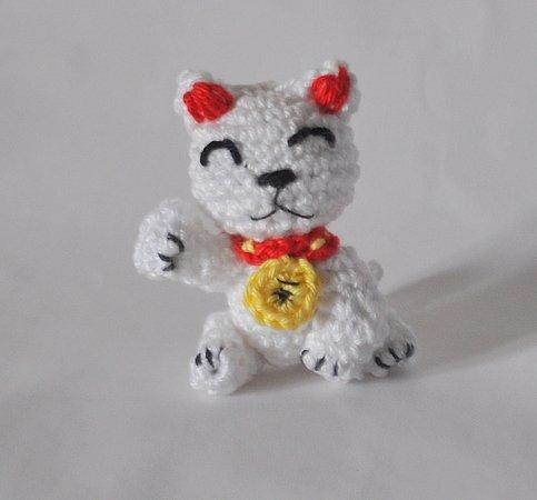 Katze häkeln -- Winkekatze ++ Glücksbringer