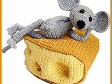 amigurumi pattern, pdf crochet tutorial by Katja Heinlein, mouse, cheese, eat, ebook, file, food, animal