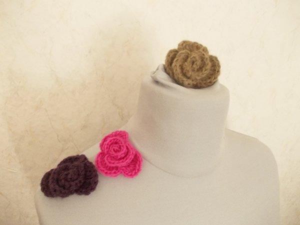 Häkelanleitung für eine Häkelrose, Brosche, Ansteckblüte