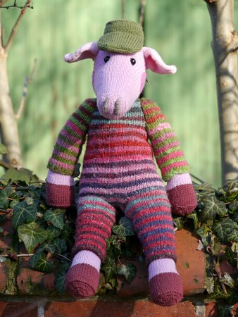 Uncle Herman the Country Swine, knitting pattern