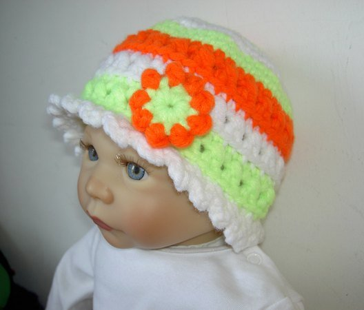 Häkelanleitung Baby-/Kinderhut 0 - 24 Monate mit Häkelblume