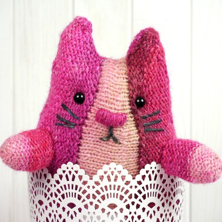 Knitting Pattern Ariane The Cat
