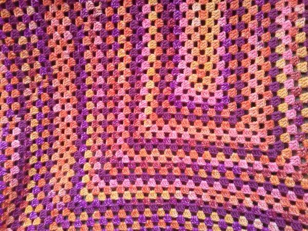 Häkelanleitung: Decke im Granny- Style