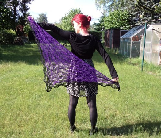 "Crochet pattern: ""Magic Flow Shawl"", triangel lace shawl"