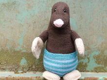 Max the Industrious Mole - Knitting patterns