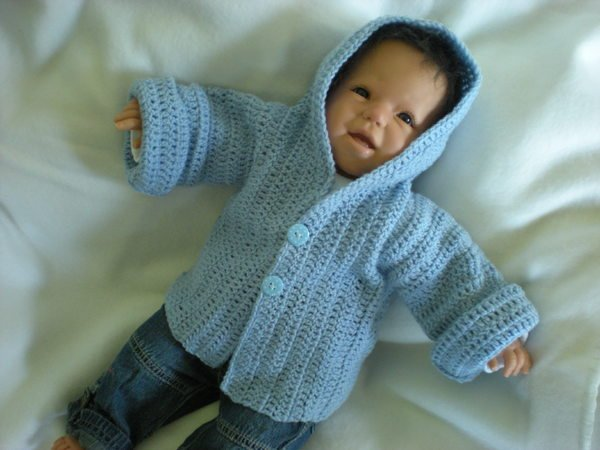 Crochet Jacket Tutorial : You are a beginner and want to crochet a baby jacket? Hooded? Then ...
