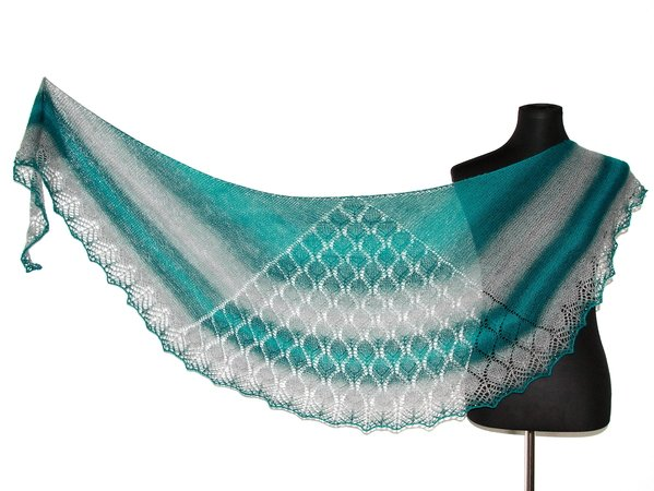 Knitting pattern shawl Tinúviel