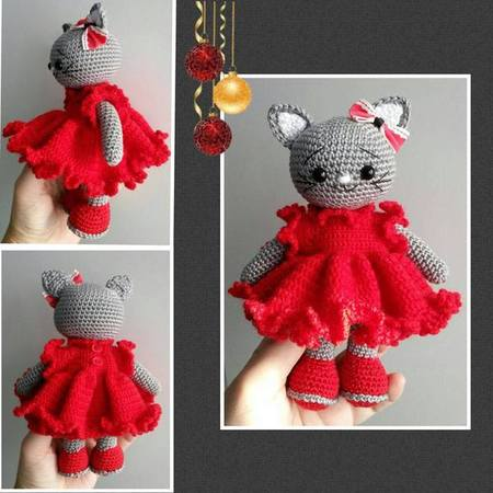 Amigurumi cat with frilly dress 17 cm tall (19 cm including ears)