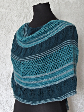 Knitting pattern shawl Lorien
