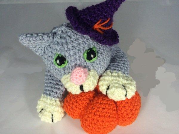 Katze häkeln--super Halloween-Deko mit Kürbis