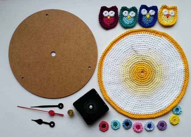 Crochet Pattern Clock with Owls