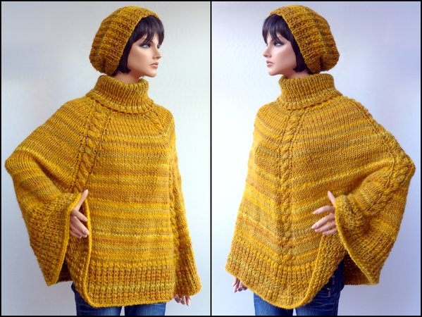 Poncho Stricken One Size Cape Stricken