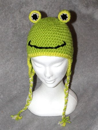 frogs cap in three different sizes (18, 20 and more than 22 inches) crochet pattern
