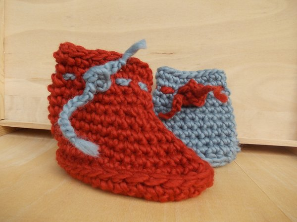 Everyone loves warm boots, crochet cosy slippers, unisex, suitable for women, men, children