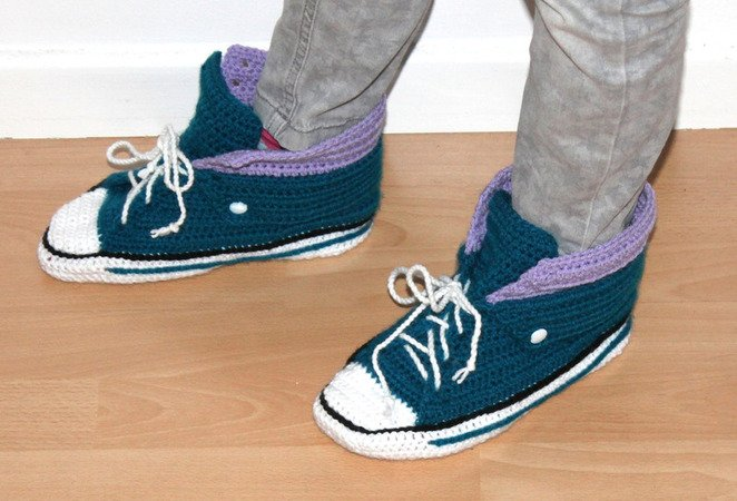 crochet sneakers in two different ways for adults uk size 3,5 - 12 us size 4- 12 crochet pattern