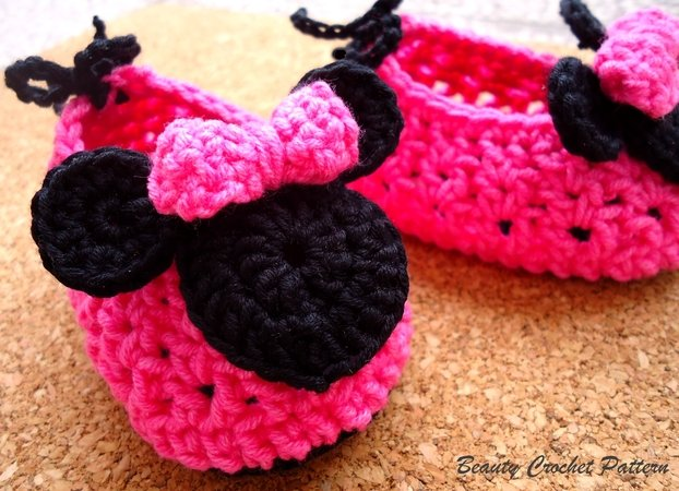 "Baby Shoes Pattern ""Miss Bow Mouse"""