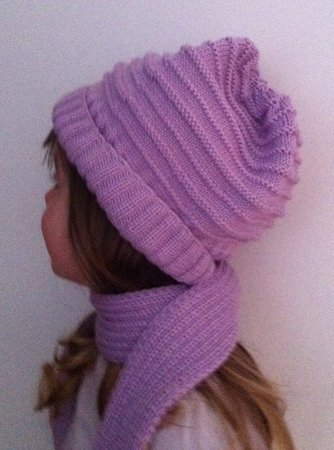 Girl's scarf and hat