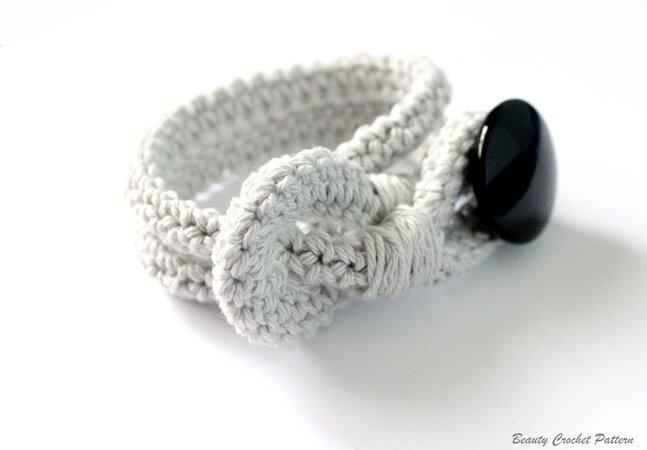 Crochet Bracelet With Button