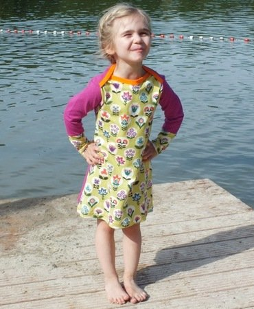 RHEAs dress / shirt pattern, American neckline, sizes 110-152 / 5-12 yrs.