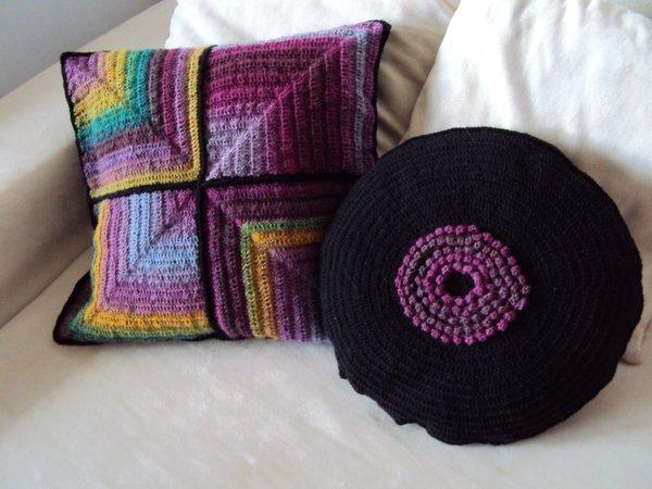 kissen h kelkissen 2 sofakissen rund und quadratisch. Black Bedroom Furniture Sets. Home Design Ideas