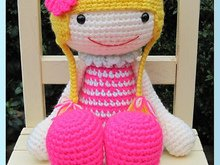 Huggy Izzy, English Amigurumi Crochet Pattern