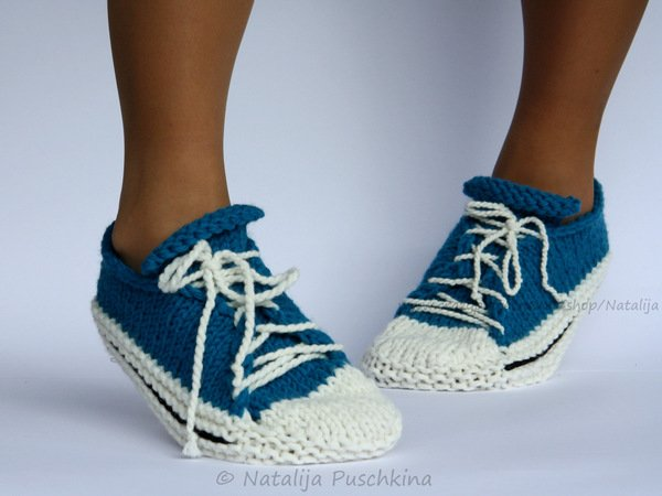 "Quick and Easy knitting pattern - shoes ""Sport"" Size UK: 3.5-5,  Size US: 6-7."