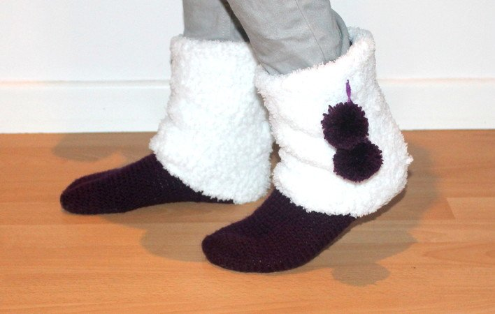 Moonboots UK sizes 2- 8 and US sizes 4- 10 crochet pattern