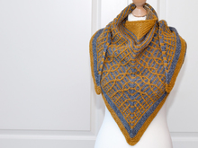 Mika - Triangle shawl