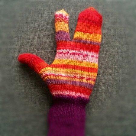 Glittens 2 Finger Mittens Pattern For Knitting Machine