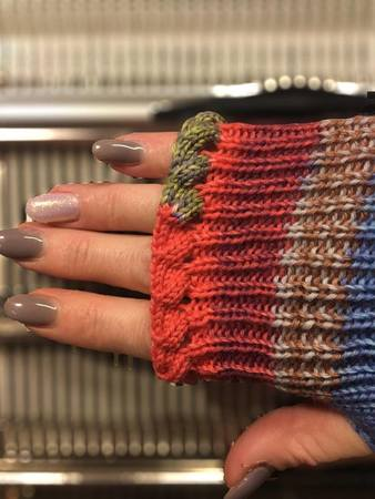 fingerless mitts made on Pfaff/Passap DM80 *pattern for knitting machine*