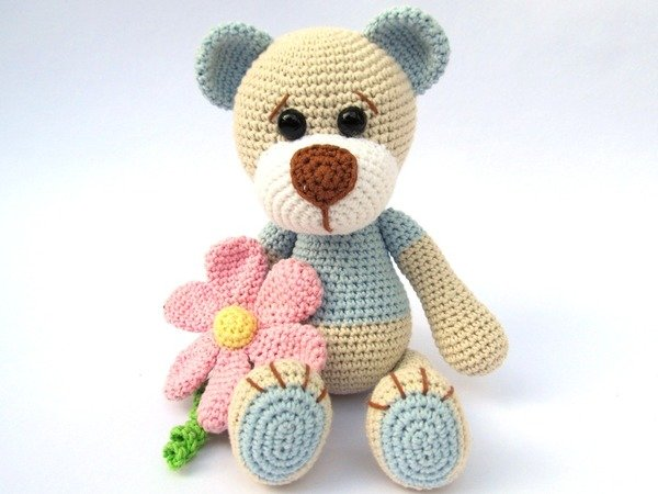 Amigurumi Crochet Flowers : Teddy with Flower Amigurumi Crochet Pattern