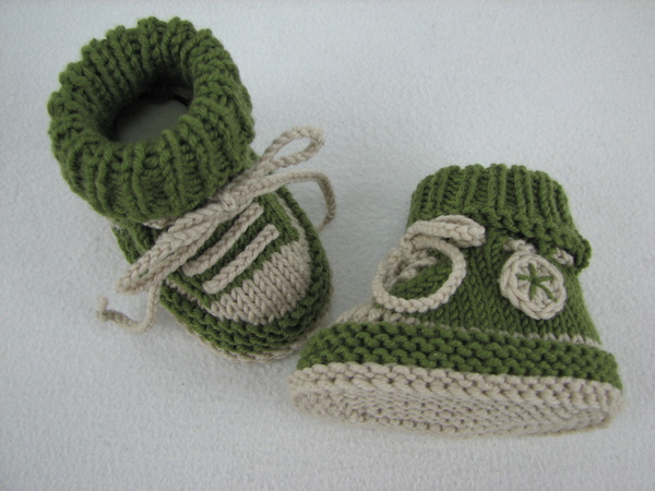 Baby Booties Cable Knitting Pattern : Baby shoes /// baby boots -- knitting pattern