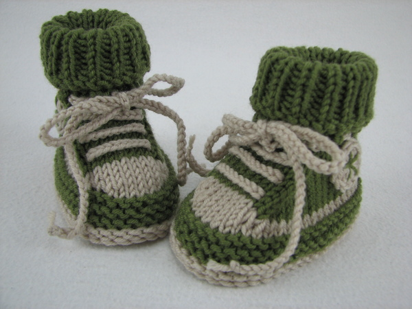 Free Knitting Patterns For Babies Nz Only : Baby shoes /// baby boots -- knitting pattern